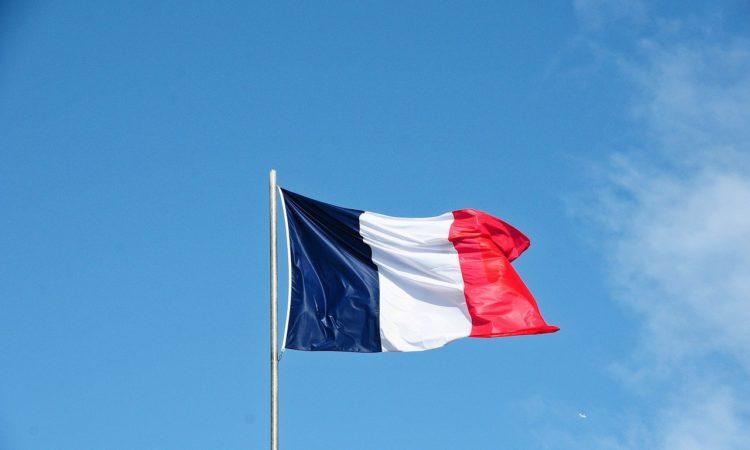 drapeau représentant la France pour symboliser le transfert des licences 4 entre régions